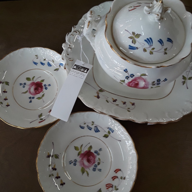 Sugar Bowl And Plates, None, Size: 4pc