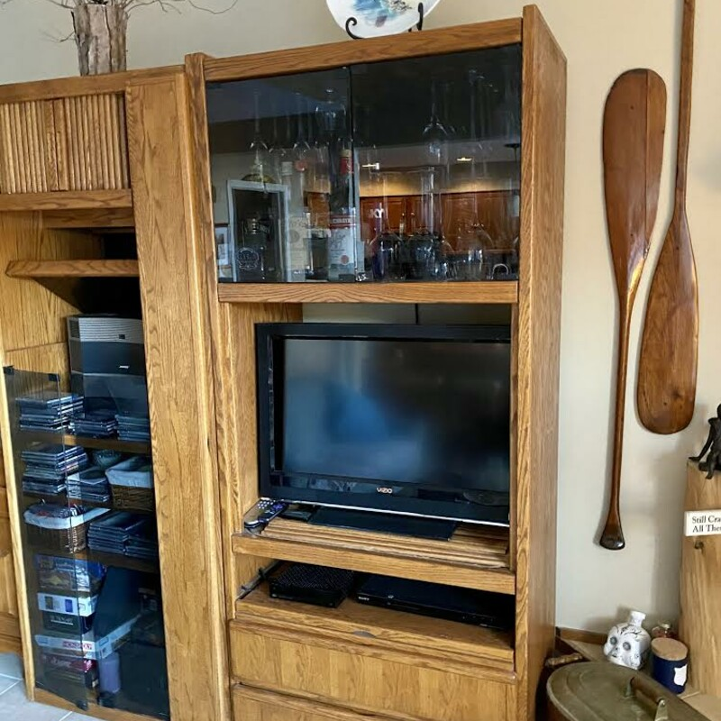 Oak Wall Unit<br /> Size: 72 x 34 x 24<br /> This is a 2 piece unit.  Not in the store -  will need to be picked up in Campton.