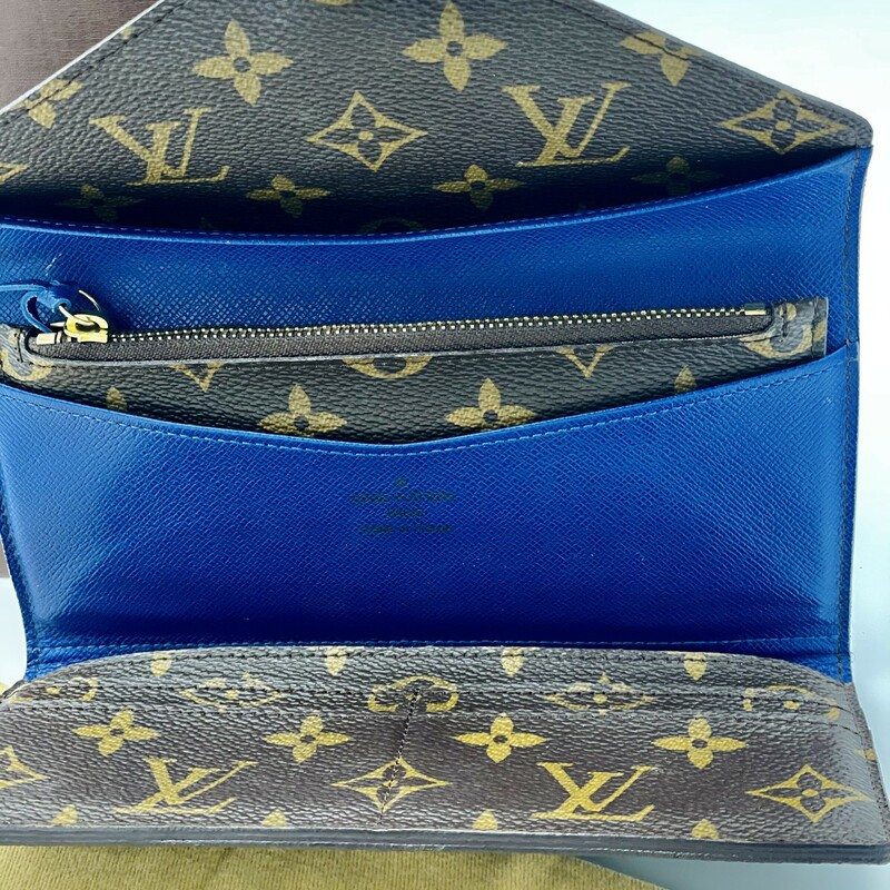LOUIS VUITTON<br /> SARA WALLET MONOGRAM WITH BLUE IN COLOR IN THE INSIDE OF WALLET