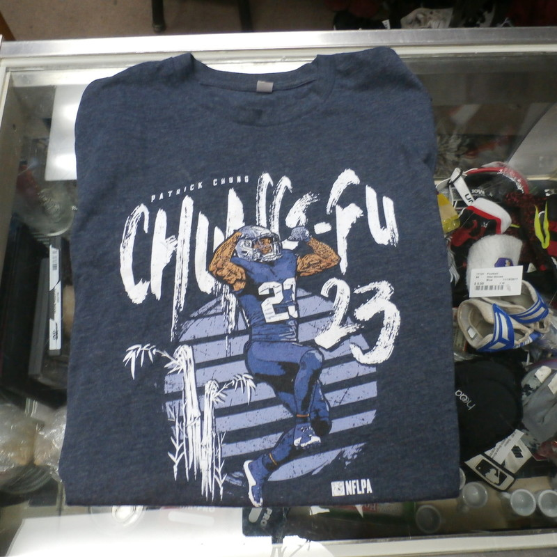 "Next Level Men's Patrick Chung T shirt blue size missing NFLPA #28956<br /> Rating: (see below) 3- Good Condition<br /> Team: NFLPA<br /> Player: Patrick Chung<br /> Brand: Next Level<br /> Size: Men's Missing tags (Measured Flat: across chest 19"", length 25"")<br /> Measured flat: armpit to armpit and top of shoulder to the bottom hem<br /> Color: blue<br /> Style: screen pressed; ""Chung-Fu""; crew neck<br /> Material: missing the tags<br /> Condition: 3- Good Condition - wrinkled; faded and discolored; pilling and fuzz; light staining or dirtiness along the neck area interior and exterior<br /> Item #: 28956<br /> Shipping: FREE"
