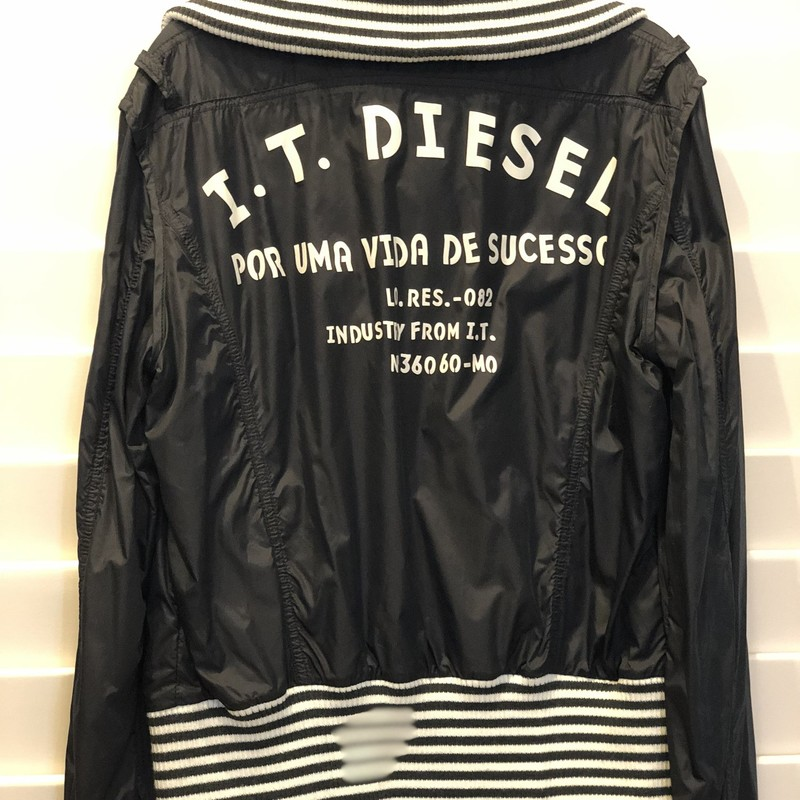 Diesel, Black, Size: Large<br /> Size runs small. Would fit a medium.