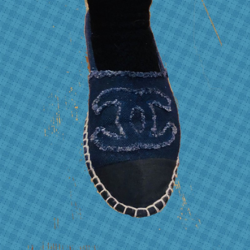 Chanel Denim Espadrilles, Blue, Size: 36.5<br /> Fit 6.5 to 7. Dark wash blue denim Chanel round-toe espadrilles with cap-toes featuring interlocking CC accents at vamps and woven jute trim rubber soles.<br /> Good condition, some relaxed shaping and wear in soles, exterior looks great. This is a STEAL for these!