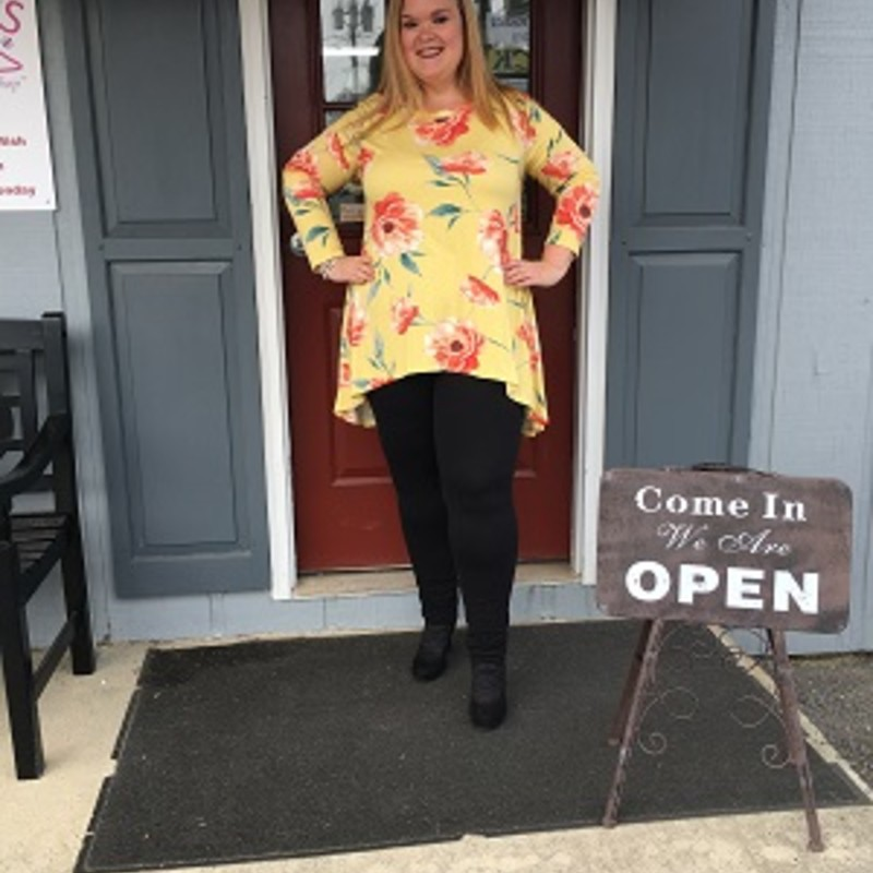 Check out how gorgeous our Hi Lo Hem Floral Tunic is on Tonya. You can put this with a pair of leggings or jeans and look stunning everywhere yoou go. The material is made of 96% Polyester 4% Spandex with a length of 35in in the back 26in in the front.