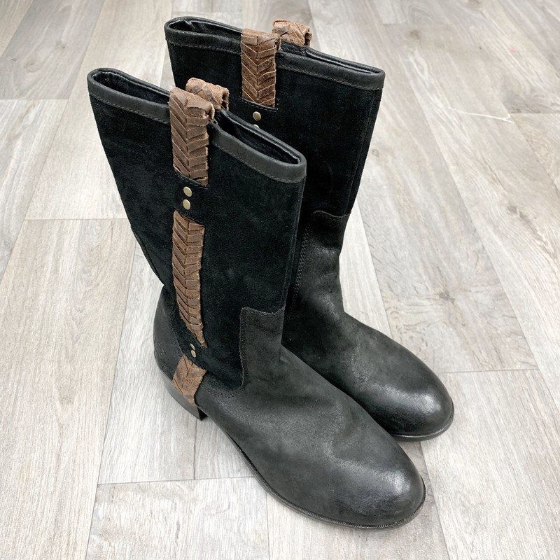 Excellent condition women&#039;s Uggs<br /> Size 10<br /> Black &amp; brown leather<br /> Originally $240