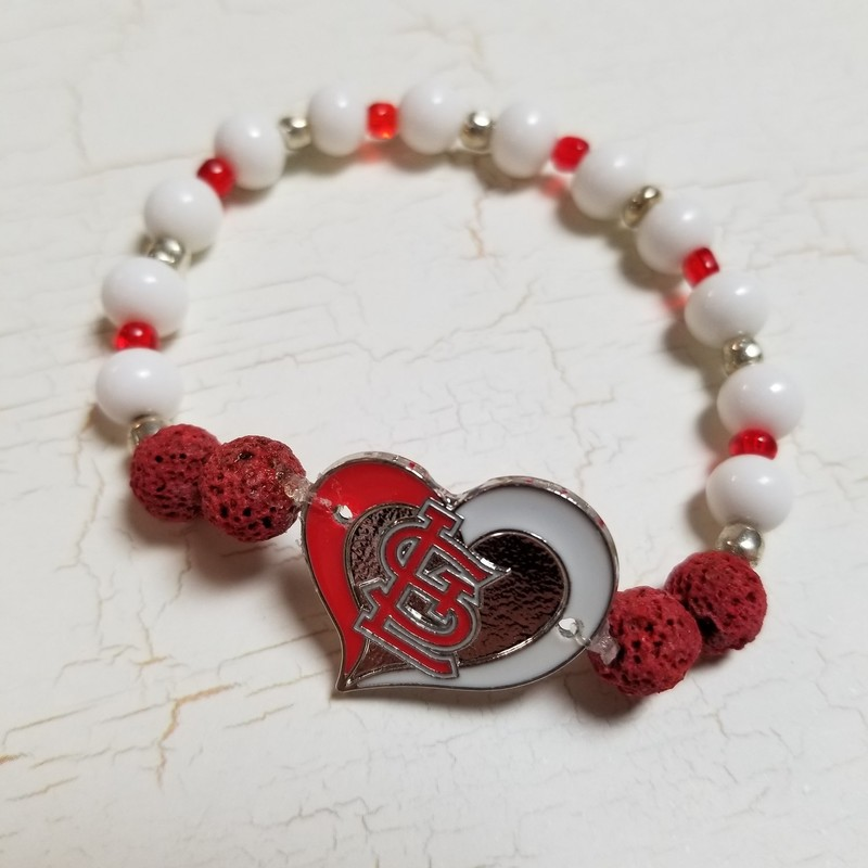 Cardinals Diffuser Bracelet with glass and diffuser beads for essentional oils.  Durable stretchy band for comfort.