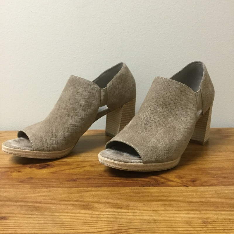 Eileen Fisher Peep Toe Slip On<br /> Size 8.5<br /> Taupe<br /> $42.00