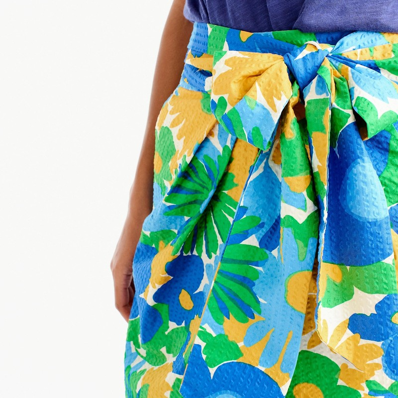 "J. crew EUC tie-waist skirt in puckered morning floral size 14<br /> <br /> ""Everything's better with a bow...like this puckered skirt printed in a vintage-inspired floral.<br /> <br />     Cotton.<br />     Machine wash.<br />     Sits above waist.<br />     27"" long.<br />     Falls below knee.""<br /> <br /> Photo and description credits: jcrew.com"