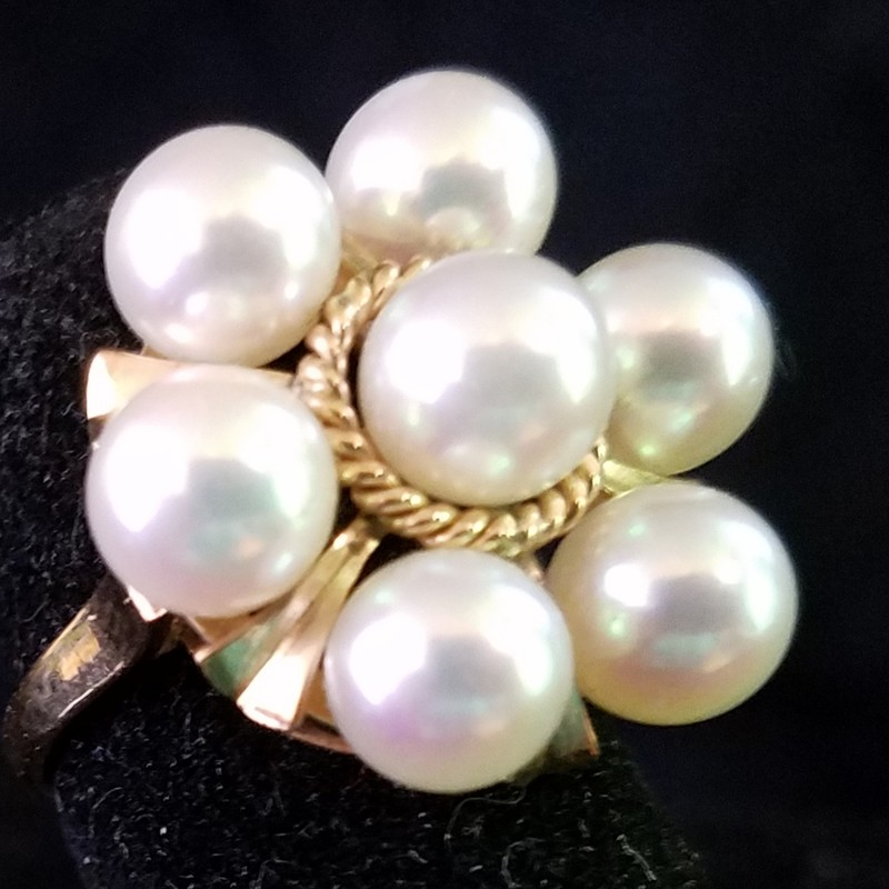 BEAUTIFUL 14K GOLD AND PEARL COCKTAIL RING SIZE 4.5  DWT 3.9<br /> AAA: The highest-quality pearl, virtually flawless. The surface will have a very high luster, and at least 95% of the surface will be free from any type of defect. The pearl will be perfectly round, and have a mirror-like luster, and a nacre thickness<br /> SEE BRACELET AND CLIR EARRINGS  ALSO FOR SALE