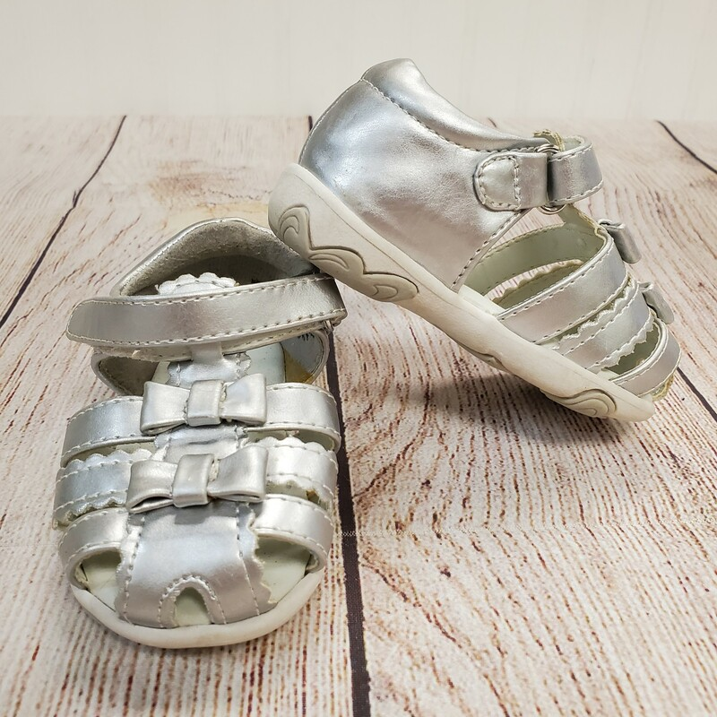 Genuine Kids Sandals, Silver, Size: Shoe 3