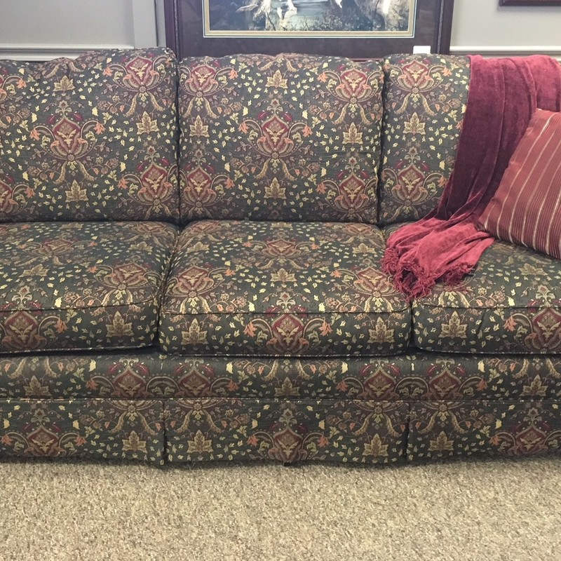 Patterned Couch in excellent condition.