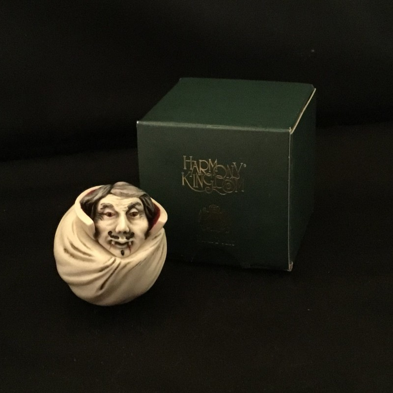 Bela is a Harmony Kingdom Roly Poly box figurine made from crushed marble in the UK.  This little vampire is part of the Hallowfest Collection.<br /> 1 1/2&quot; tall<br /> 1 1/2&quot; wide