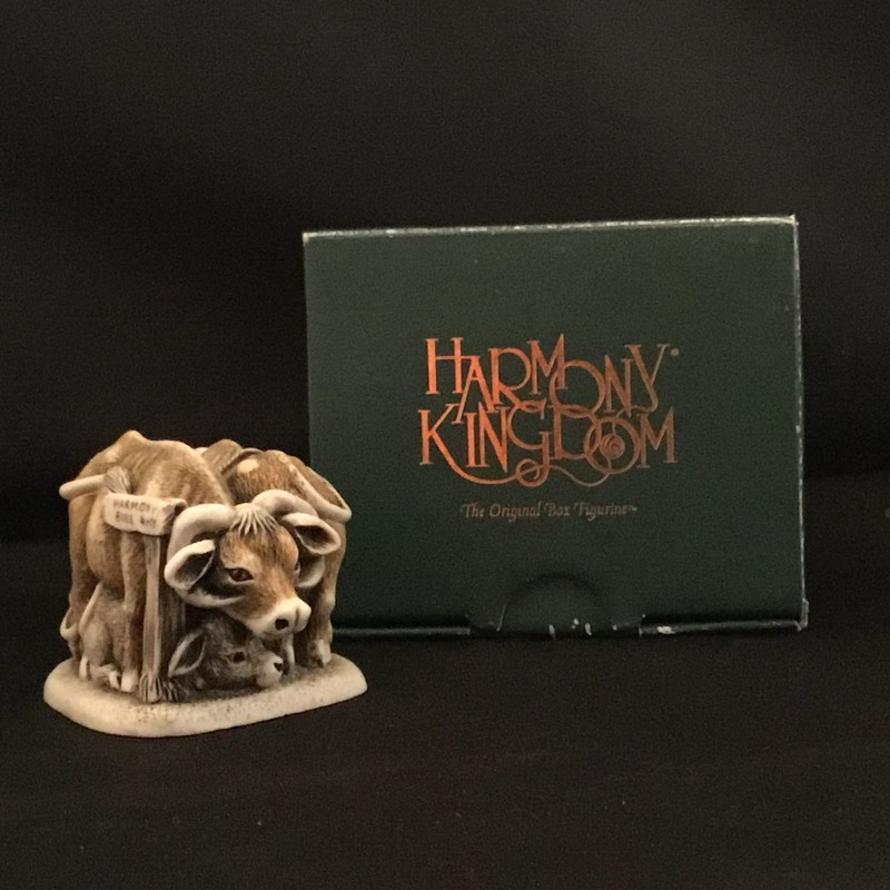 Harmony Bull is a Harmony Kingdom box figurine made of crushed marble in the UK. This piece depicts 2 bull and 2 cows.<br /> 1 3/4&quot; tall<br /> 3&quot; wide