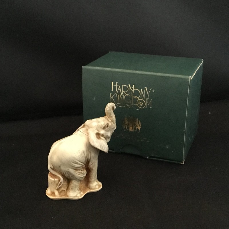 Trunk Call is a Harmony Kingdom box figurine made from crushed marble in the UK.  Whether this guys is calling the ladies or calling for help, he will make a great addition to your collection.<br /> 2 3/4&quot; tall<br /> 2 1/4&quot; wide
