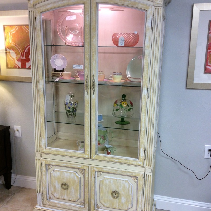 This lovely THOMASVILLE piece looks brand new. It features solid wood construction, glass doors and sides, 3 adjustable glass shelves, and a lower cabinet with a single adjustable wood shelf.