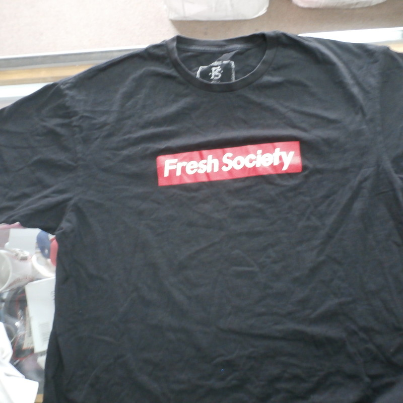 "Men's Fresh Society T Shirt black size XL cotton #30715<br /> Rating:   (see below) 3 - Good Condition<br /> Team: n/a<br /> Player: n/a<br /> Brand: Fresh Society<br /> Size: XL - Men's(Measured Flat: Across chest 22"", length 27"")<br /> Measured flat: arm pit to arm pit; top of shoulder to the hem<br /> Color: Black<br /> Style: Screen pressed short sleeve T Shirt<br /> Material: 100% Cotton<br /> Condition: - Good Condition - wrinkled; minor pilling and fuzz; some steaching from use; some discoloration and light staining on front;<br /> Item #: 30715<br /> Shipping: FREE"