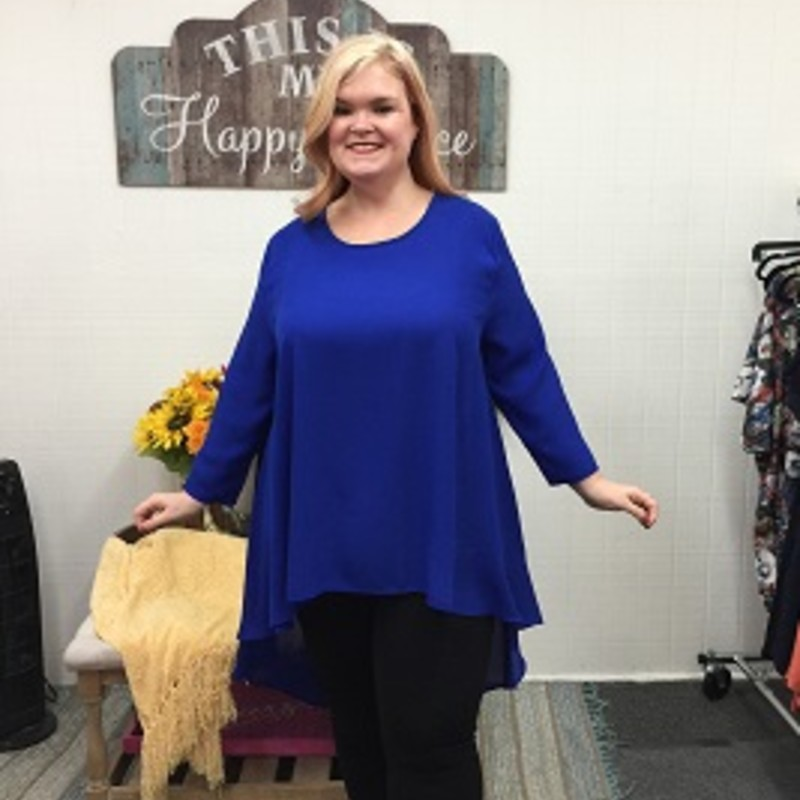 Tonya looks gorgeous in our Hi Low Tunic, you will never see anything like this girls! The material is made of 100% Polyester you can wear it to any occasion and it has a length of 24 in in the front and 39 in in the back!