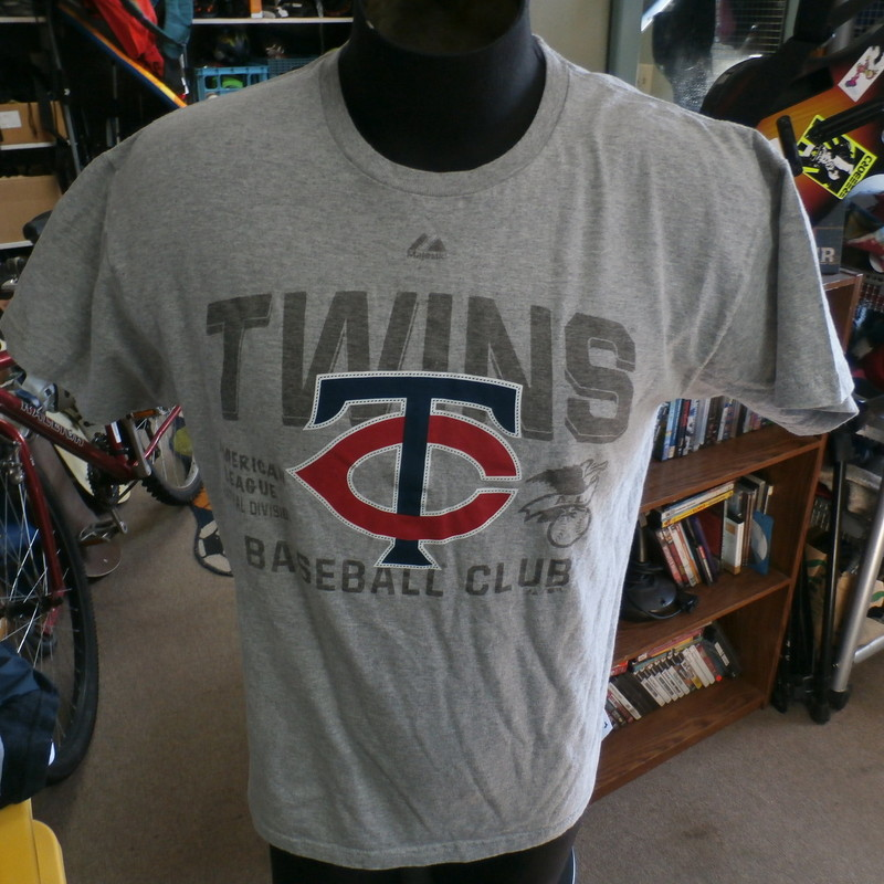 "Minnesota Twins gray Majestic short sleeve shirt size large cotton blend #30094<br /> Rating: (see below) 3- Good Condition<br /> Team: Minnesota Twins<br /> Player: n/a<br /> Brand: Majestic<br /> Size: Men's Large- (Measured Flat: chest 21"", length 25"")<br /> Color: gray<br /> Style: short sleeve; screen printed<br /> Material: 90% cotton 10% polyester<br /> Condition: 3- Good Condition: some fuzz and wear from use and washing; minor fading (see photos)<br /> Item #: 30094<br /> Shipping: FREE"