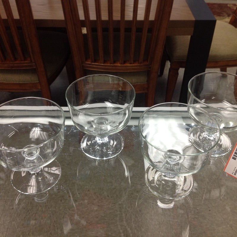 4 Glass Footed Bowls, None, Size: 4x4