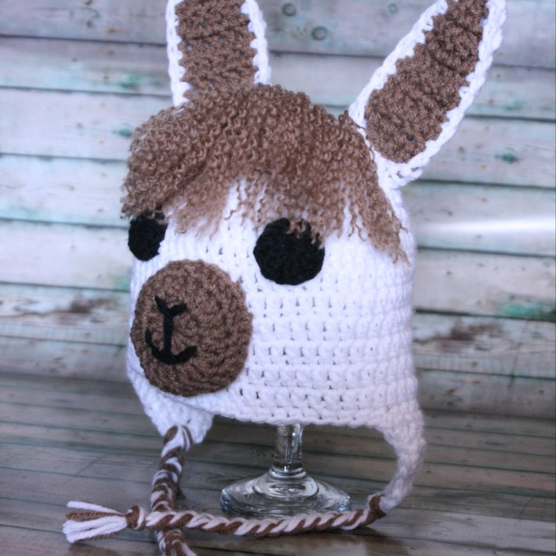 Llama Hat - Tan/White, Size: Child<br /> Created by Pineyarn Art