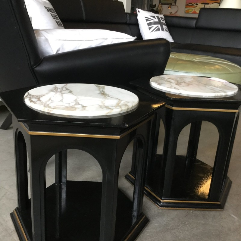 Black/marble Sidetable As, 17x17, Size: Vintage