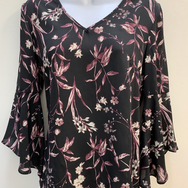 Counterparts Floral Top<br /> Bell-Sleeve<br /> Black &amp; Plum, Size: Small