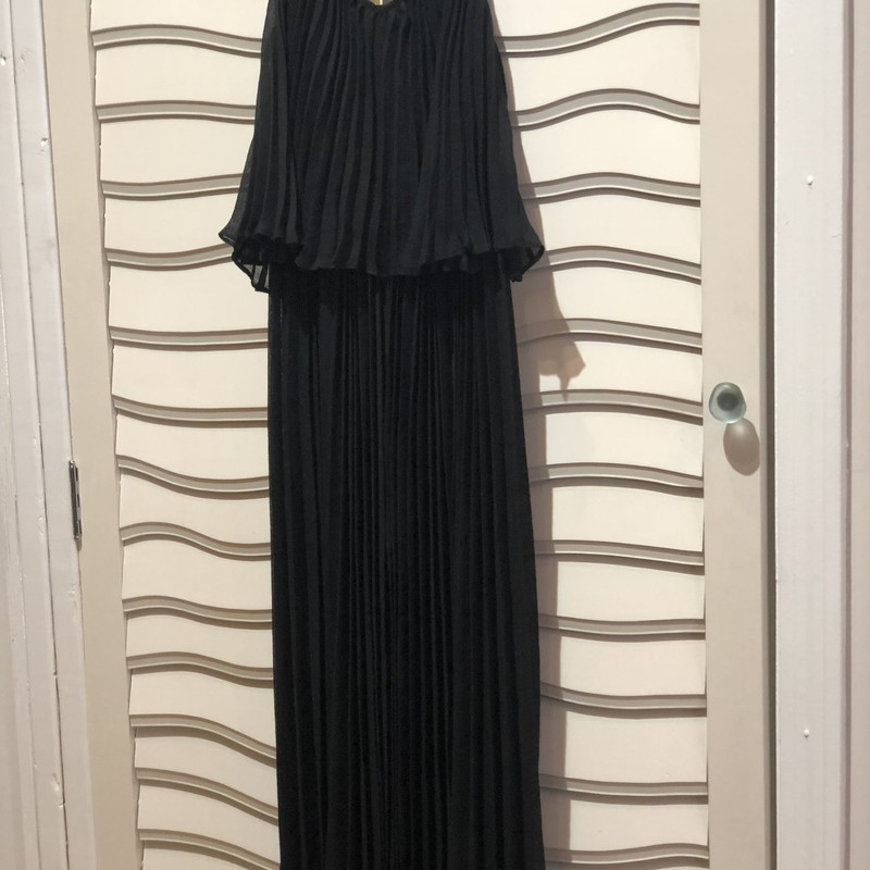BCBG Maxazria Gown, Black, Size: XSmall<br /> Black pleated gown in very good condition