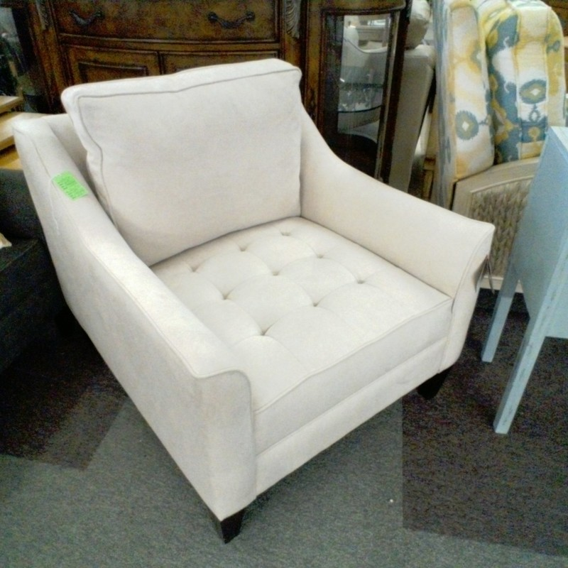 WHITE CLUB CHAIR, None, Size: None