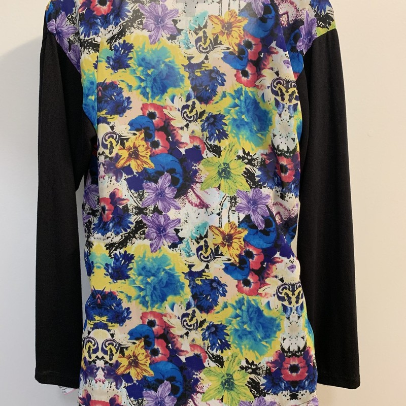 Nicole Floral Print Top<br /> Black/Multi<br /> Size: XSmall