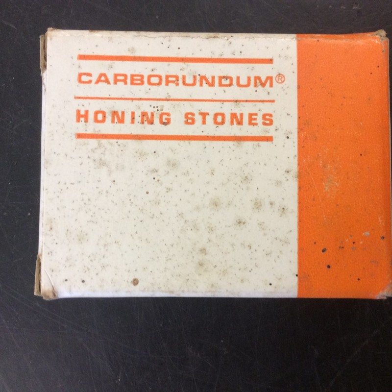 Carborundum RE 20-P-280-6 Honing Stones. Box of 12<br /> <br /> *NEVER USED*