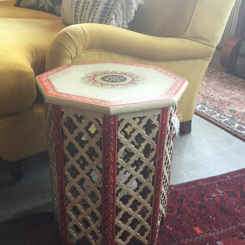 "Lattice Ethnic Side Table, White & Red, Size: 18"" x 15"""