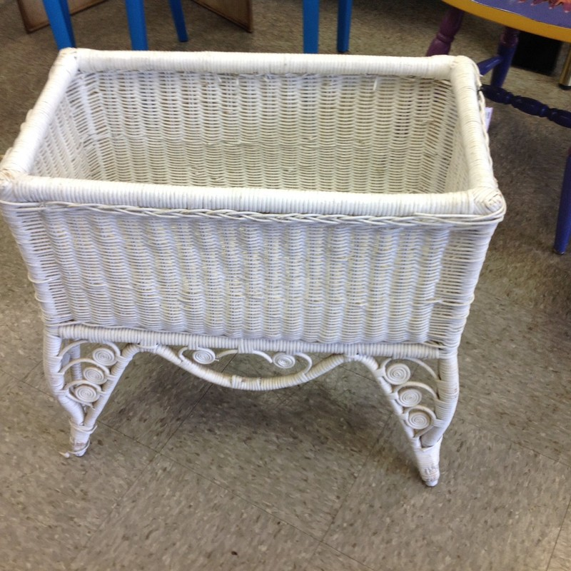 Wicker Planter Box, White, Size: 22x12x22