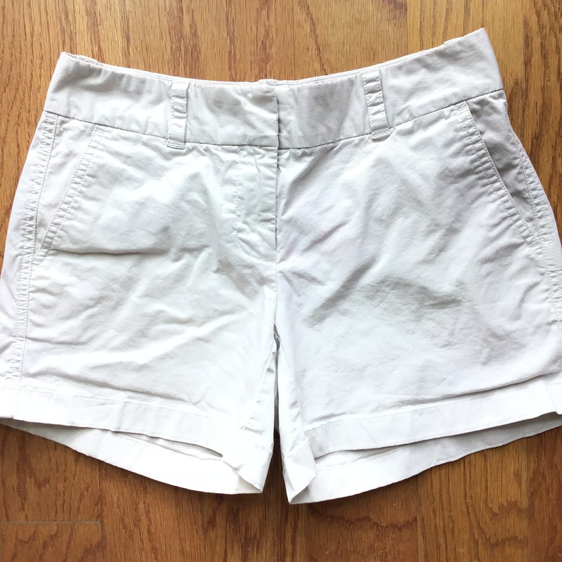 Vineyard Vines Short, Khaki, Size: 0<br /> <br /> <br /> WOMENS SIZE<br /> <br /> <br /> ALL ONLINE SALES ARE FINAL. NO RETURNS OR EXCHANGES.