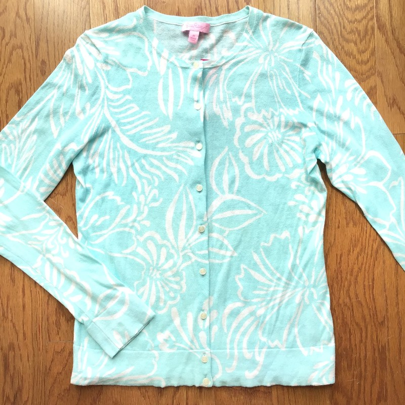 Lilly Pulitzer Cardigan, Blue, Size: Medium<br /> <br /> <br /> WOMENS SIZE<br /> <br /> FABRIC IS LIGHT AND THIN<br /> <br /> <br /> ALL ONLINE SALES ARE FINAL. NO RETURNS OR EXCHANGES.