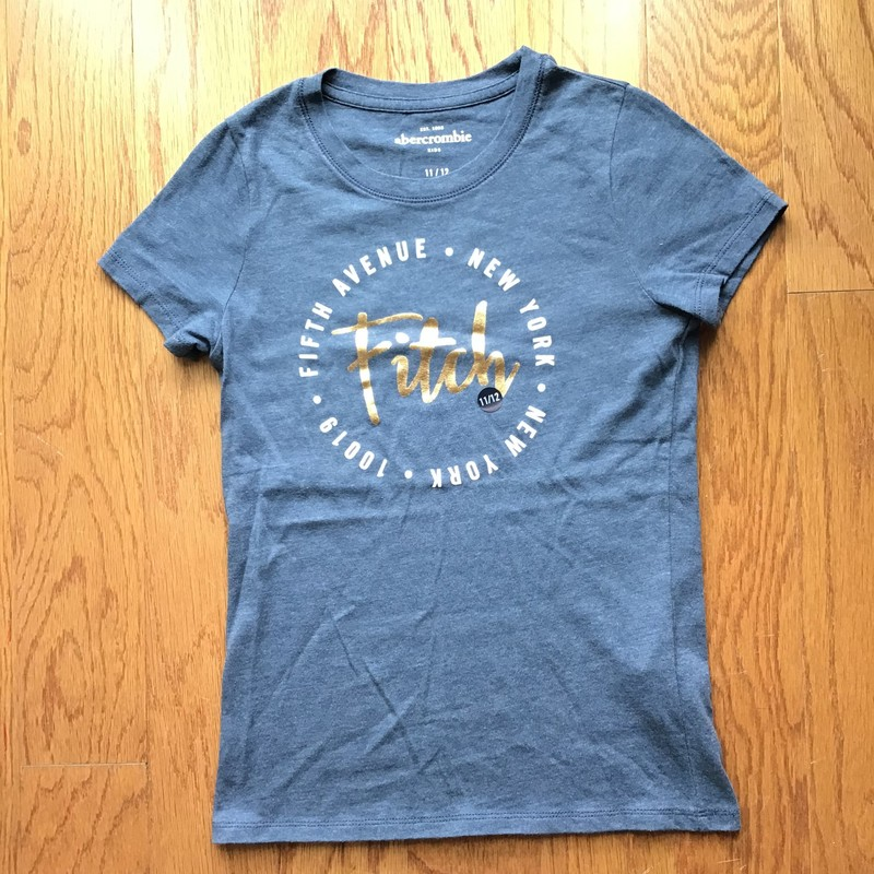 Abercrombie Shirt NEW, Blue, Size: 11-12<br /> <br /> <br /> NEW WITHOUT TAG<br /> <br /> <br /> ALL ONLINE SALES ARE FINAL. NO RETURNS OR EXCHANGES.