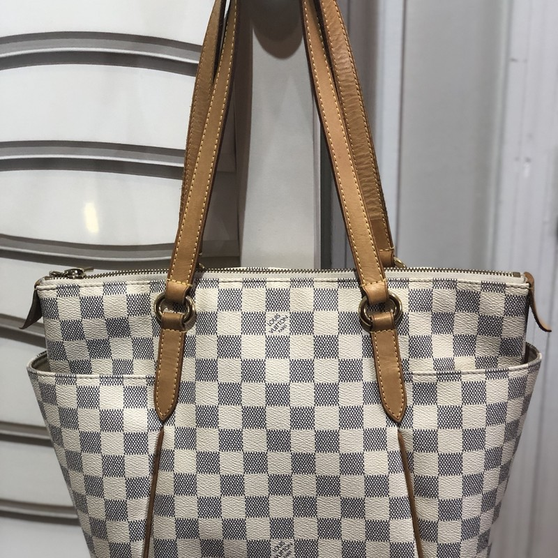 Louis Vuiton Totally PM, Cream, Size: .LV<br /> Great Looking Tote in the Damier Azur print.<br /> Inside has minor ink stains. exterior in good condition.