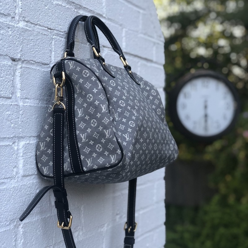 Louis Vuitton Speedy 30 W, Blue, Size: .LV<br /> Like new condition mini lin canvas bag- won&#039;t last!! includes crossbody strap!!