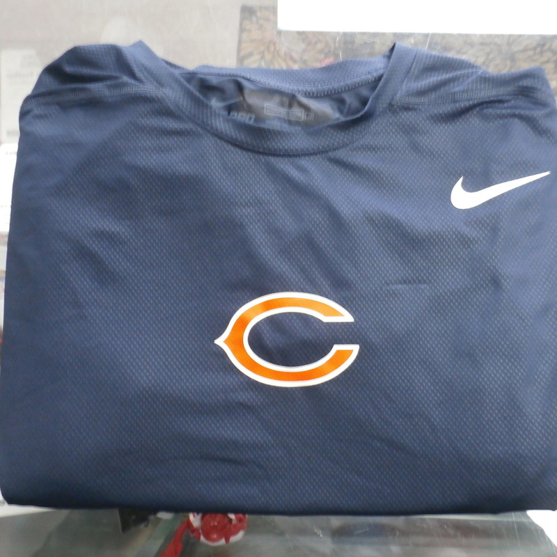 Nike Pro Men&#039;s Chicago Bears compression  shirt size 3XL blue #32150<br /> Rating:   (see below) 3- Good Condition<br /> Team:  Chicago Bears<br /> Player: Team<br /> Brand: Nike<br /> Size: Men&#039;s    3XL (Measured Flat: across chest 20&quot;, length 32&quot;)<br /> Measured flat: armpit to armpit; top of shoulder to the bottom hem<br /> Color:  white<br /> Style: screen pressed; Long sleeve;<br /> Material:  91% polyester 9% spandex<br /> Condition: - 3- Good Condition - wrinkled; minor pilling and fuzz on the front; some stretching; minor discoloration; a few small snags and runs;<br /> Item #: 32150<br /> Shipping:FREE