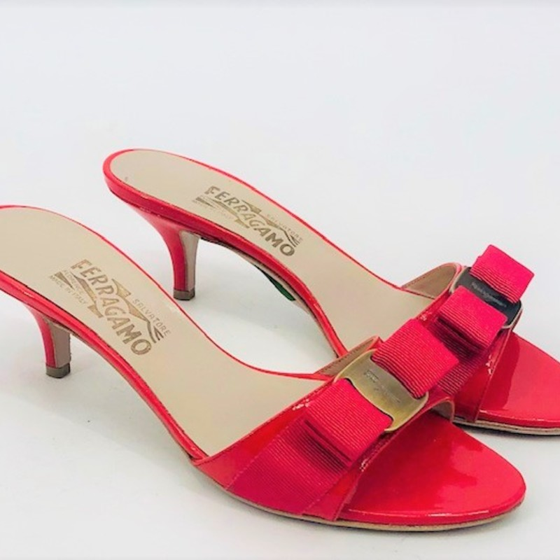Salvatore Ferragamo coral patent slide kitten heels, size 7, classic bow detail, great condition