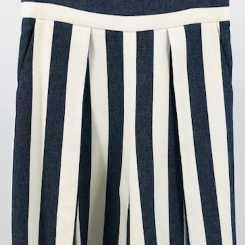 "Milly cream and navy linen striped gaucho pants<br /> size M<br /> Measurements:<br /> Waist: 31""<br /> Hips: 34""<br /> Length: 26"""