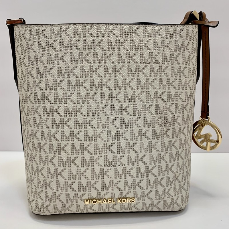 Michael Kors Kimberly Bucket Bag<br /> Cream & Tan