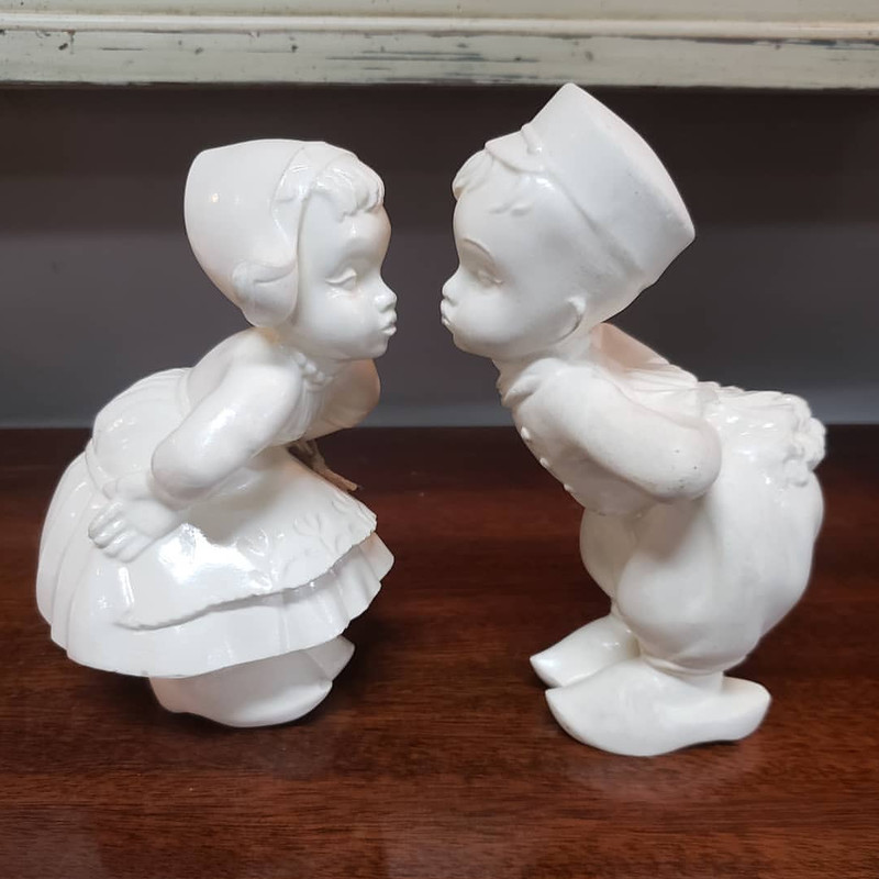 Dutch Kissing Boy Girl<br /> White<br /> Size: 6""