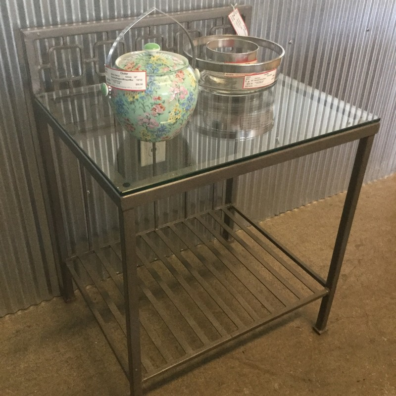 "Metal Side Table, GlassTop, Size: 22""X17""X29"""