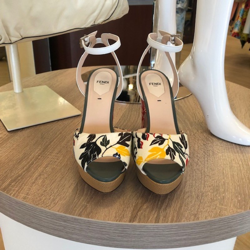 Fendi floral chunky heel sandals, size 9