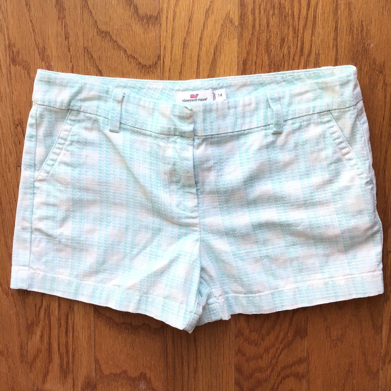 Vineyard Vines Short, Blue, Size: 14<br /> <br /> <br /> <br /> ALL ONLINE SALES ARE FINAL. NO RETURNS OR EXCHANGES.