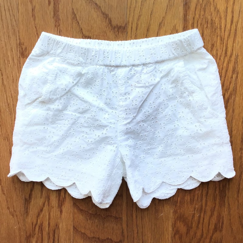 Hanna Andersson Short, White, Size: 6-7<br /> <br /> <br /> <br /> ALL ONLINE SALES ARE FINAL. NO RETURNS OR EXCHANGES.