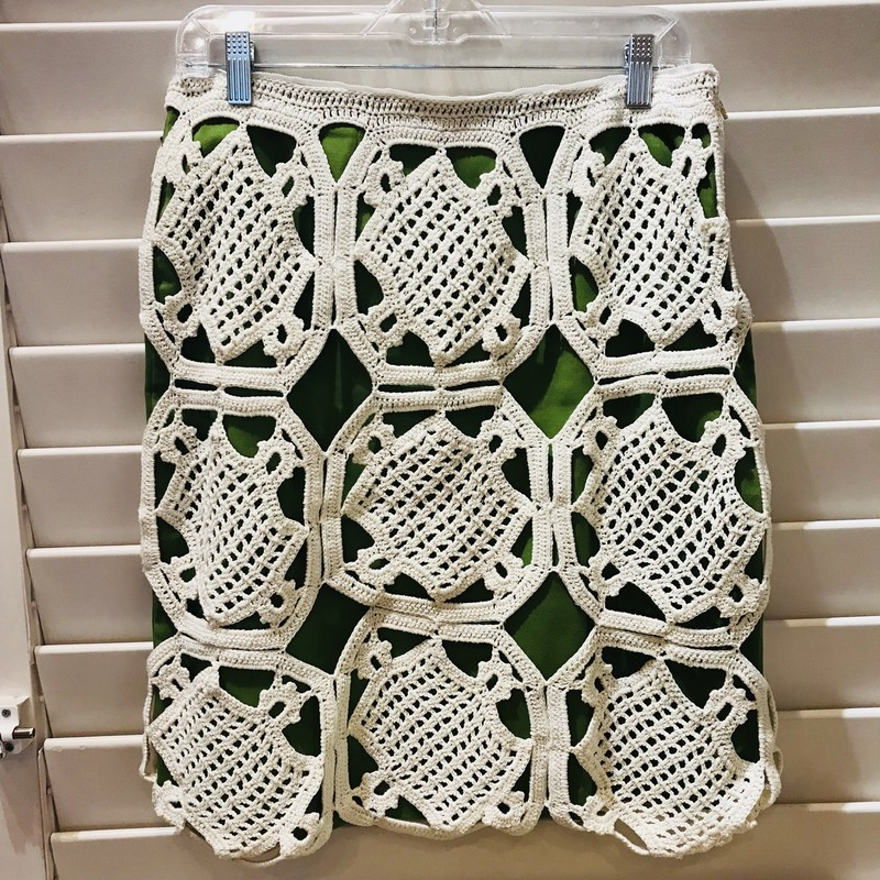 Straight skirt in beautiful avocado shade of green with white crochet overlay.  Side-zip.  Size S