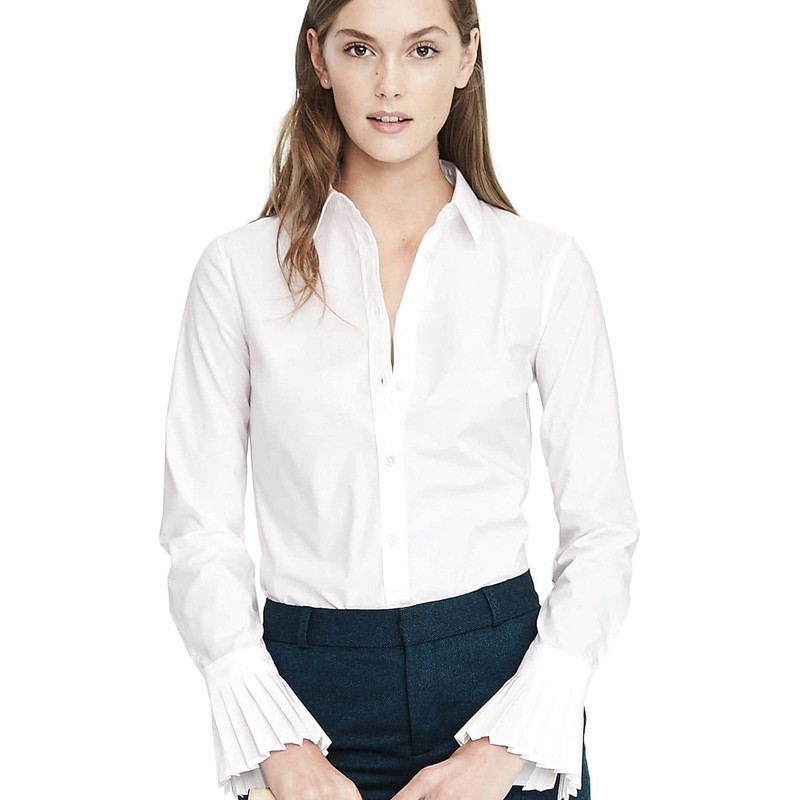 Banana Republic Riley-Fit Tailored Pleated Cuff Shirt size 2 P like new condition.  Orig. rtl: $72.50
