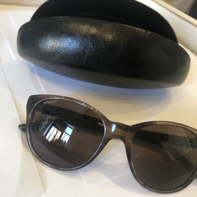 BVLGARI Sunglasses, Brown, Size: Small<br /> For the smaller face,brand new