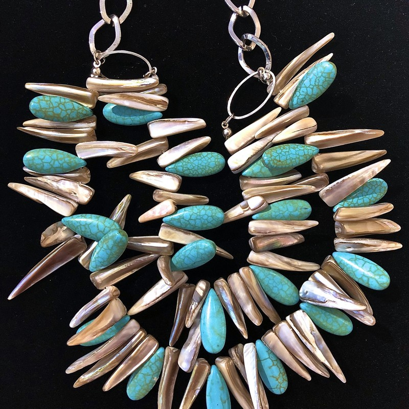 Necklace Mother Of Pearl Tusks faux Turquoise,<br /> $28.00