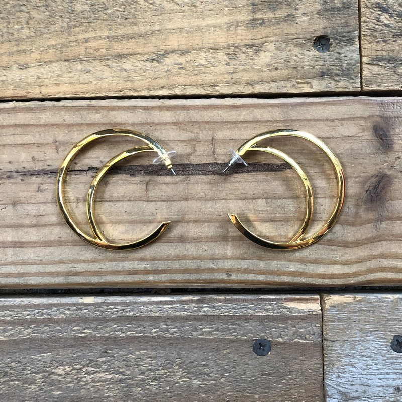 "Vince Camuto Hoop Earrings<br /> Color: Gold<br /> Size: 2.25"" diameter"